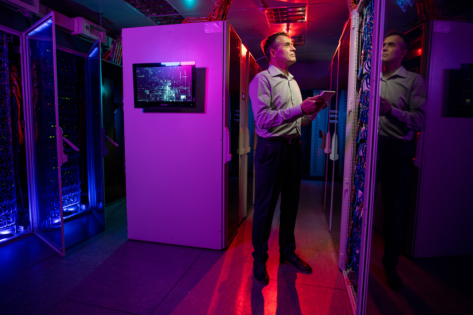 Upgrade your data center with minimal downtime